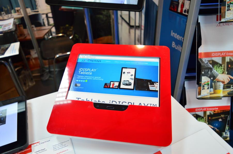 Suport din plexiglas pentru tablete la IMWorld 2015
